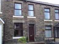 Terraced home in Queen Street Hadfied...