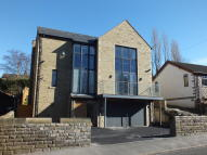 5 bedroom Detached property in Shaw Lane