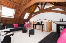 4 bedroom Apartment in All Saints Church...
