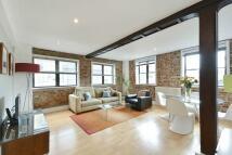 Apartment in Tanner Street, SE1