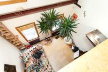 Town House for sale in Globe Road, London, E2