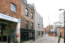 Town House for sale in Holywell Row, London...