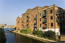 2 bed Detached house in Limehouse Cut...