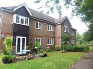 Flat to rent in Tadworth, Surrey