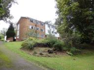 2 bed Flat to rent in Kenley, Surrey