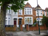 3 bed Flat in Dundonald Road...