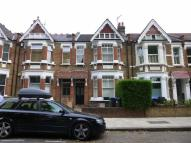 Flat to rent in Kempe Road, Queens Park...