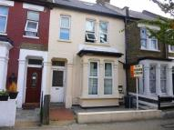 Flat to rent in Letchford Gardens...