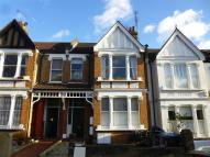 Flat to rent in Lushington Road...