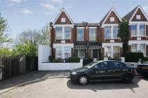2 bed Flat to rent in Dagmar Road...