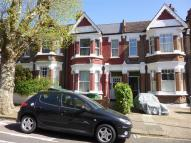 Flat to rent in Crediton Road...