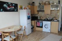 1 bed Flat to rent in Penarth Road, Grangetown...
