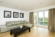 2 bed new Apartment in Kew Bridge Road...