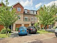 3 bed property to rent in Highbridge Close...