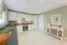4 bed new property in Maynards Croft, Newport...
