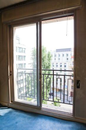 Sliding door windows Eiffel Montaigne Paris