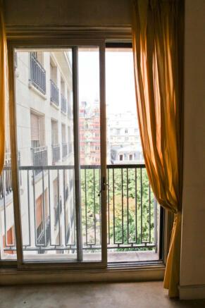 Blacony sliding doors Eiffel Montaigne Paris