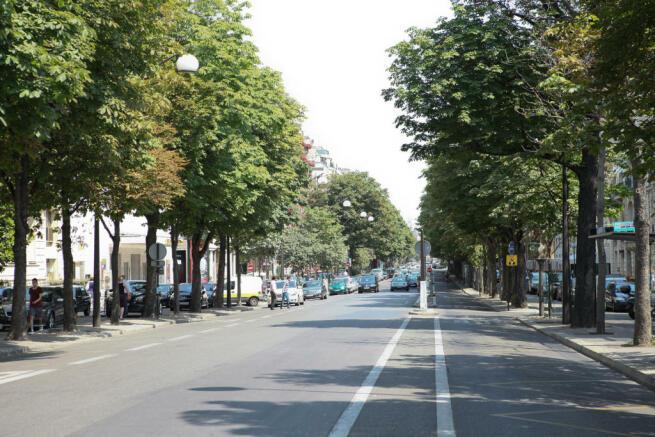 Parking Eiffel Montaigne Paris