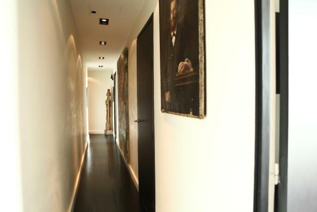 Hallway wood floor Etoile Avenue President Wilson Paris