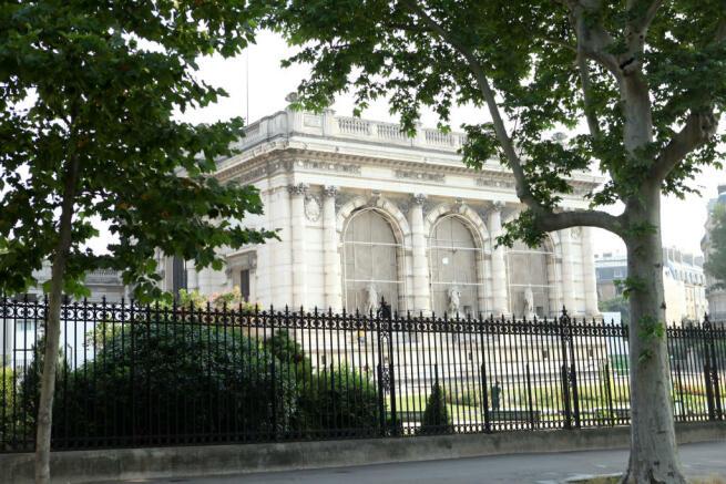 Iron railings Etoile Avenue President Wilson Paris