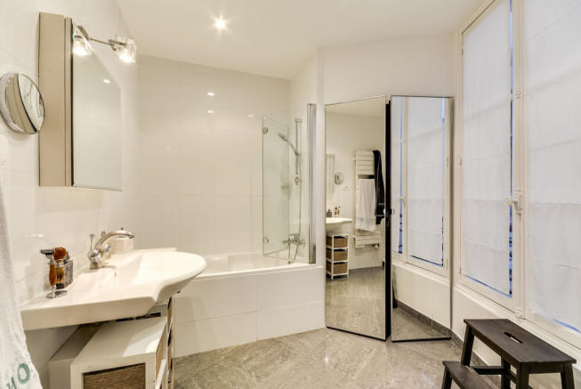 Bathroom marble shower Rue Jean Mermoz Paris