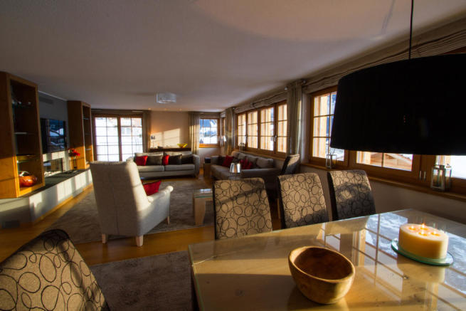 Living room dining room open plan Chalet Im Maad Verbier