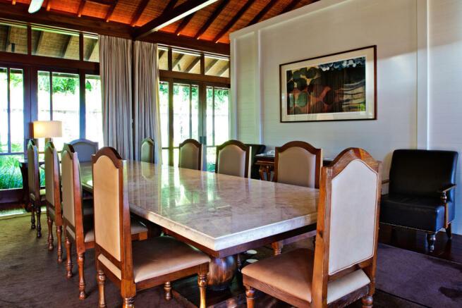 Dining room large Four Seasons Seychelles