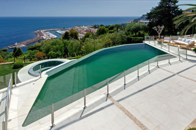 Swimming pool ocean view sea railing Villa Surram Theoule-sur-Mer Cote d'Azur