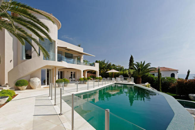 Swimming pool external house view Villa Surram Theoule-sur-Mer Cote d'Azur