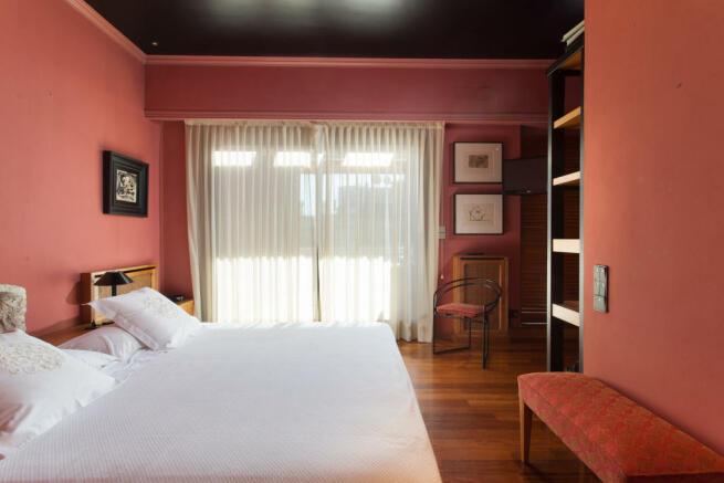 Bedroom wood parquet floor The Penthouse Av de Pau Casals Barcelona