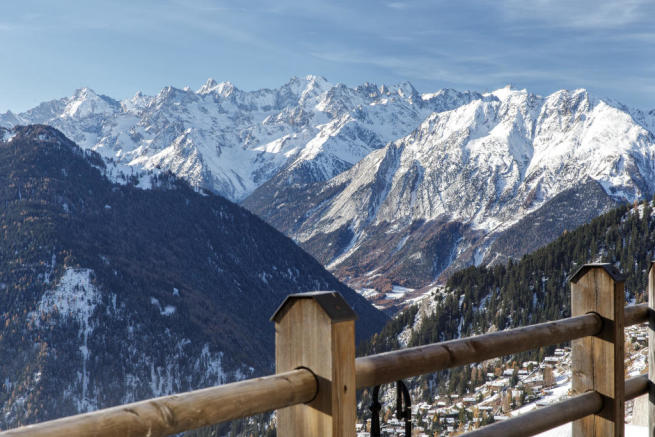Balcony view mountains Chalet Feuille d'Erable Verbier