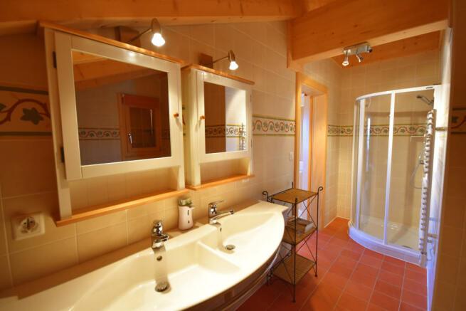 Bathroom twin sink shower tiled floor Chalet Idée Fixe Champoussin Champéry