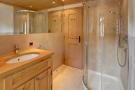 Bathroom shower tiled Gai Torrent Penthouse Verbier