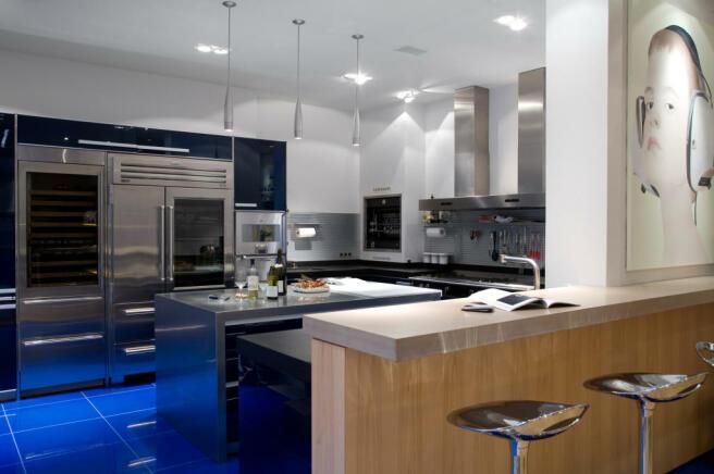 Modern kitchen appliances breakfast bar island Phalsbourg Paris