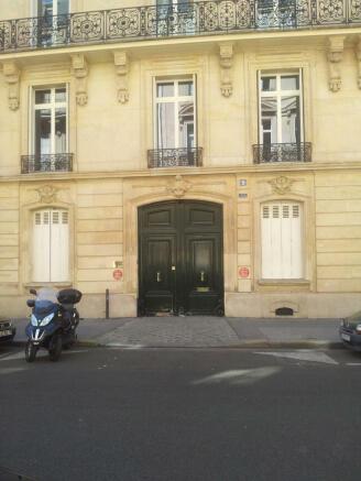 Entrance facade doors Phalsbourg Paris