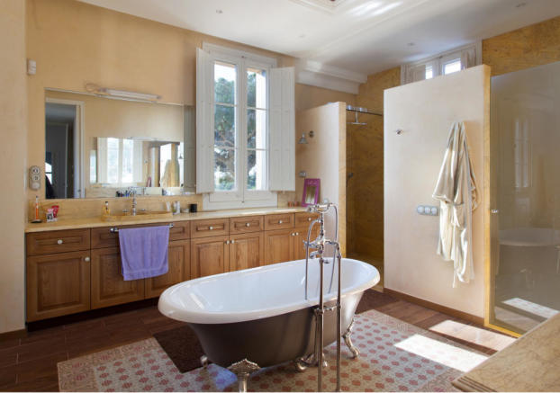 Bathroom free standing bath tub shower tiled Villa Paula Zona Alta Barcelona