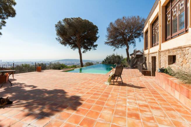 Swimming pool sun terrace tiled Villa Paula Zona Alta Barcelona