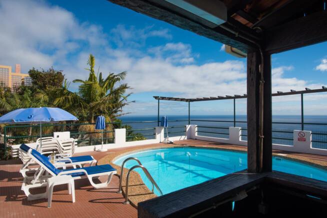 Swimming pool ocean sea view Villa Aquarela Madeira Portugal