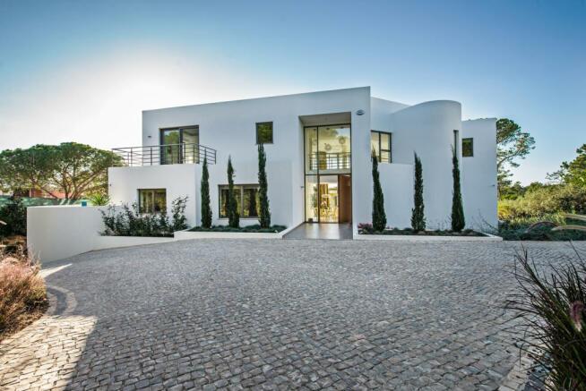 Facade Villa Sara Quinta do Lago Algarve