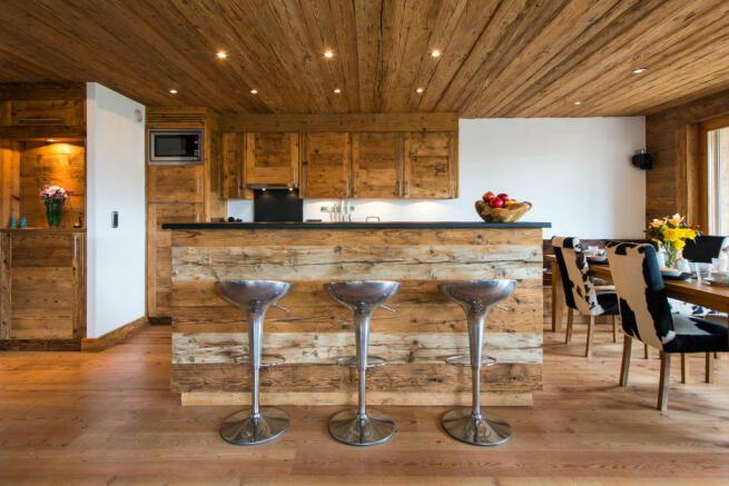 Breakfast bar area in kitchen at Valentine 210