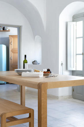 Dining room stone floor Villa Fabrica Santorini