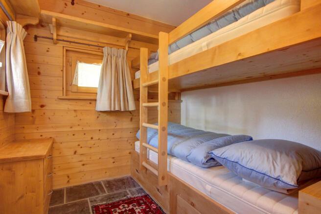 Bunk beds in children's bedroom at Chalet Lievre in Verbier