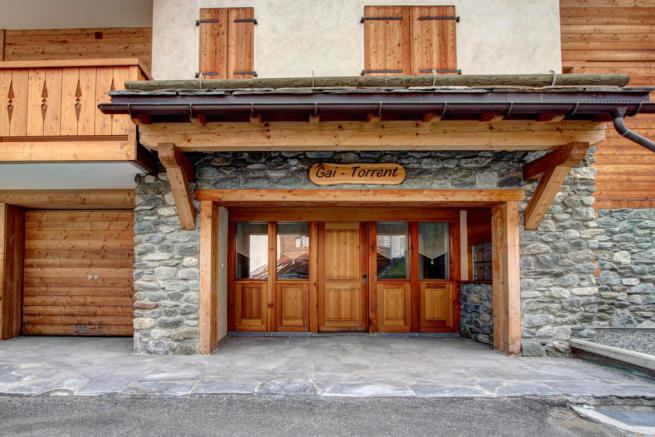 Entrance to Gai Torrent apartment in Verbier