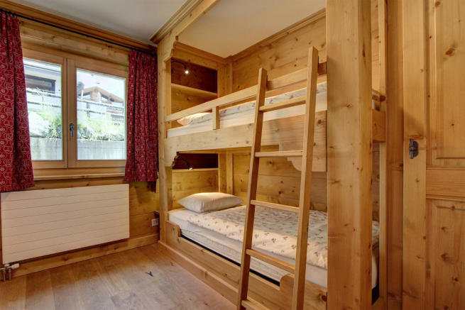 Children's bunk beds at Gai Torrent apartment in Verbier