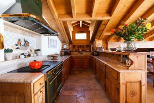 Kitchen open Chalet La Courtiliere Verbier
