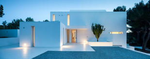 Entrance facade Villa Gertrudis Ibiza