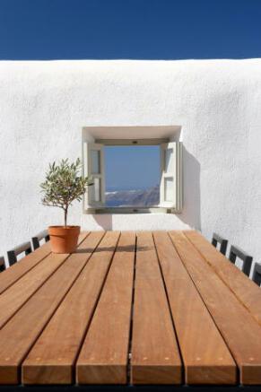 Outdoor dining area Villa Fabrica Santorini