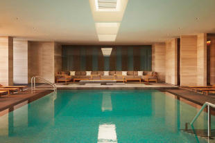 Four Seasons Toronto spa pool 2