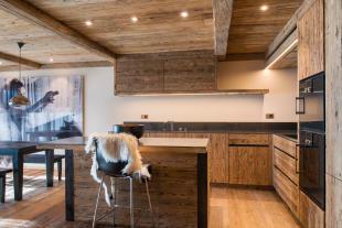 Dining room kitchen breakfast bar open plan Residence Alex Verbier