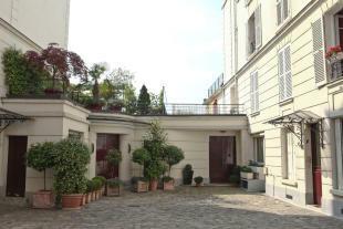 Courtyard entrance facade Etoile Avenue President Wilson Paris